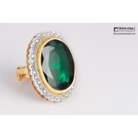 EMRALD RING WITH DIAMONDS